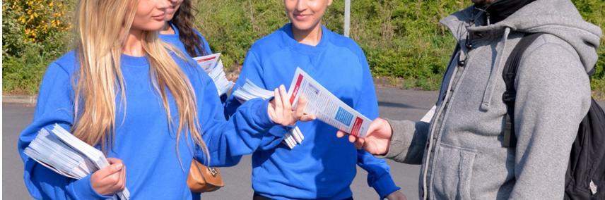 La distribution de flyers dans un lieu public