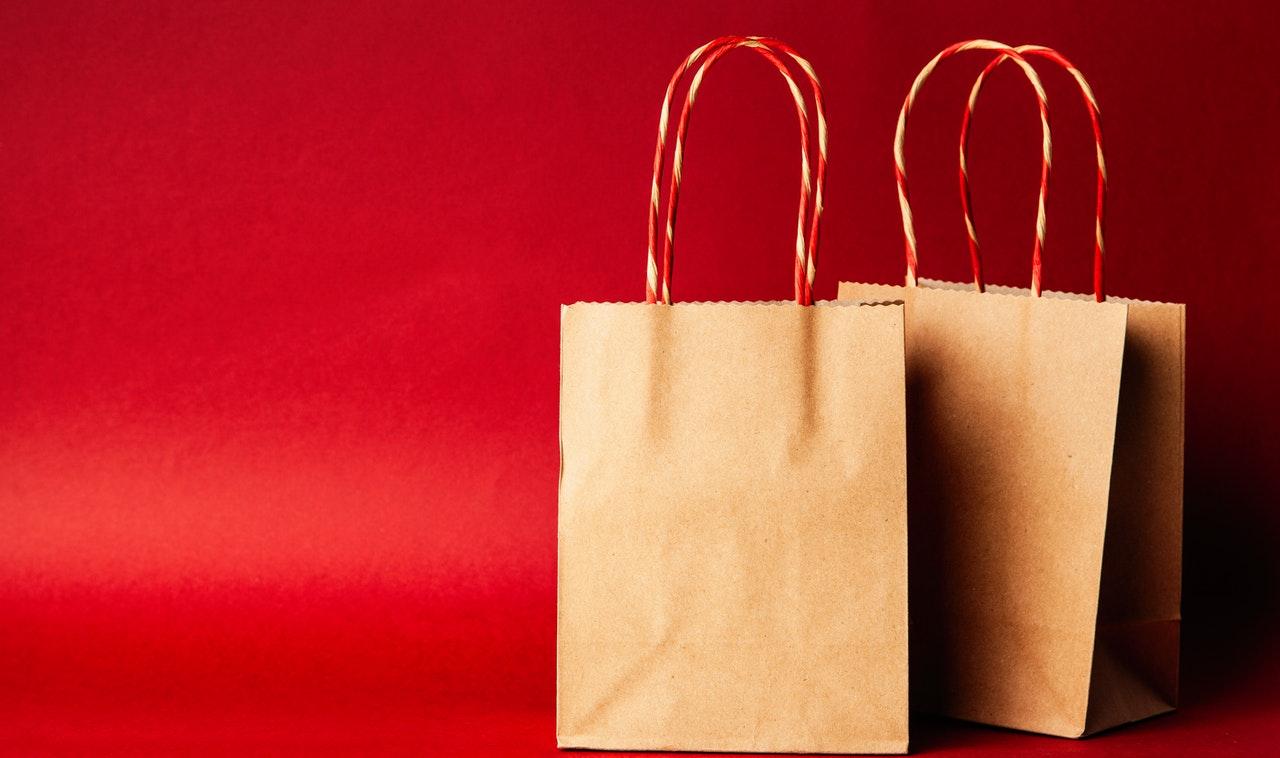 deux sacs en papier pour noël